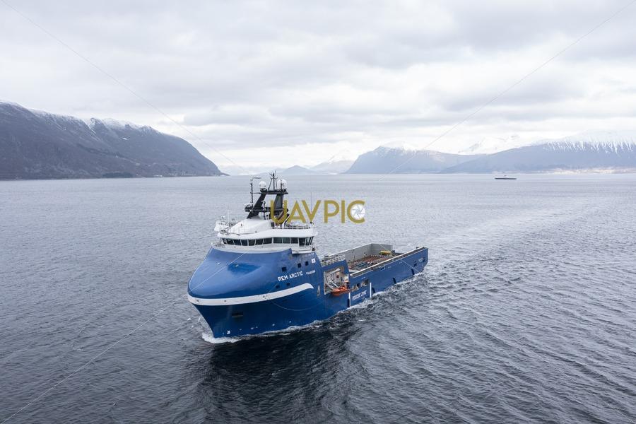 Rem Arctic 689.jpg - Uavpic