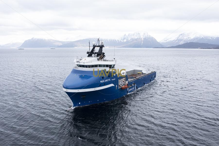 Rem Arctic 696.jpg - Uavpic