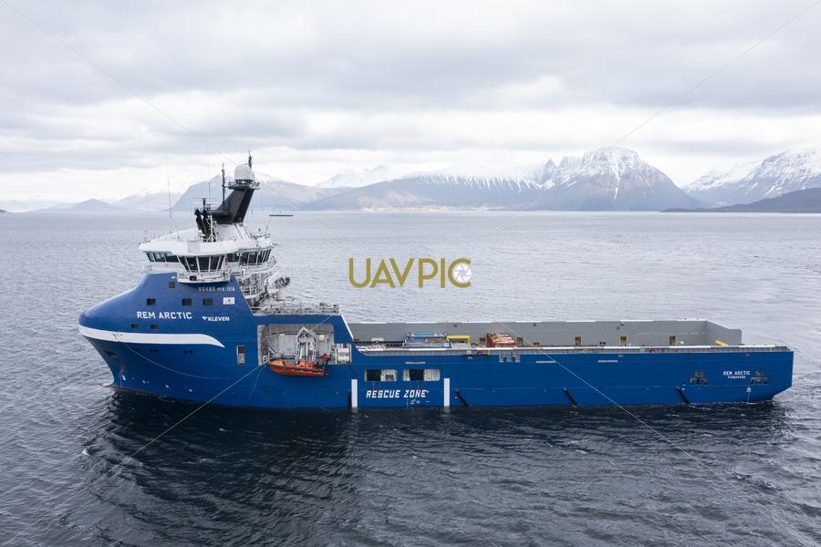 Rem Arctic 702.jpg - Uavpic