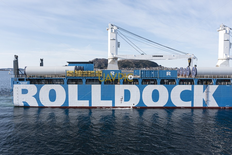 Rolldock Sky 211.jpg - Uavpic