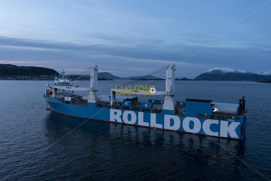 Rolldock Sky 303.jpg - Uavpic