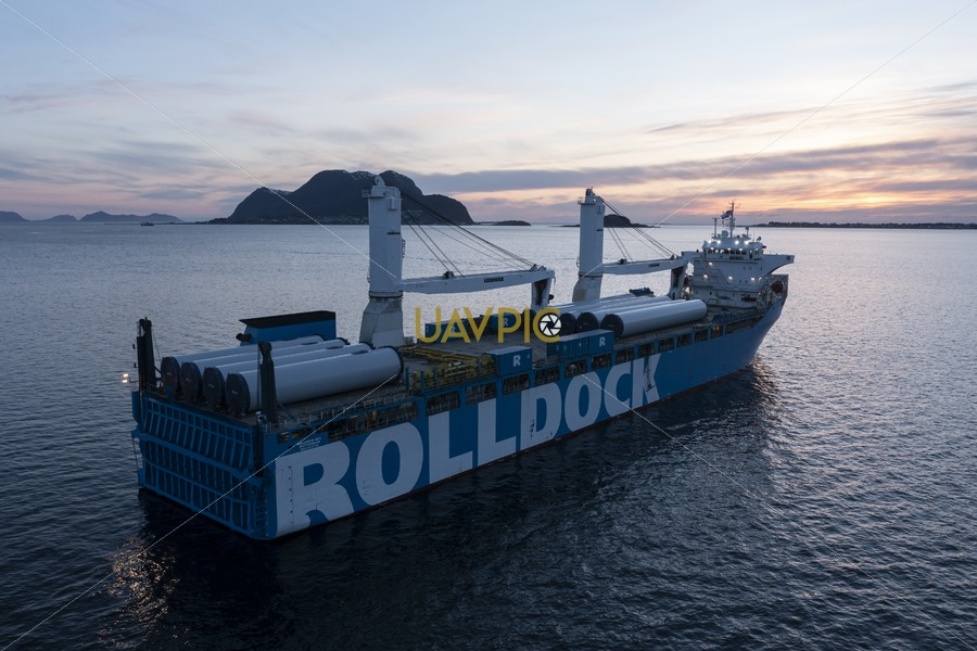 Rolldock Sky 310.jpg - Uavpic