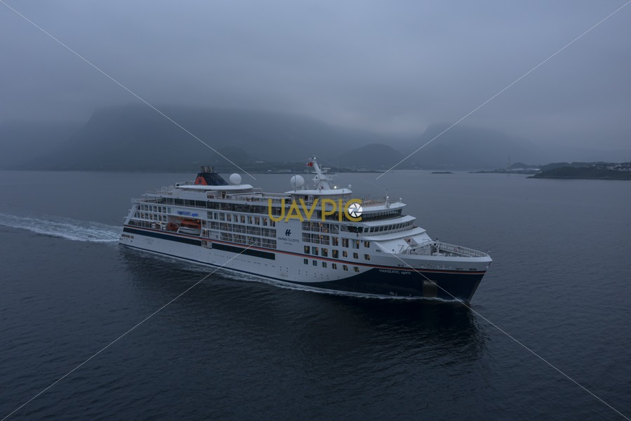 Hanseatic Spirit 211.jpg - Uavpic
